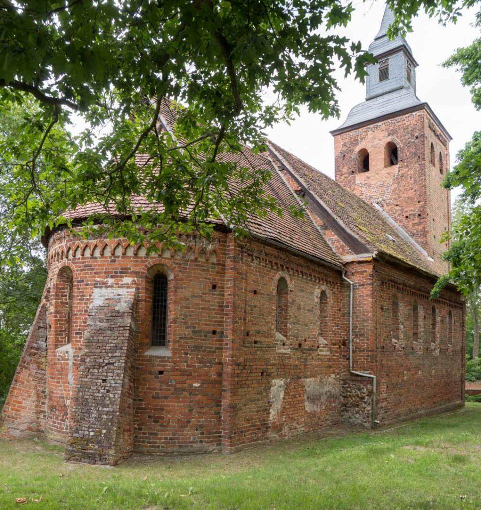 Dorfkirche Schmetzdorf, Ansicht von Nordost.
