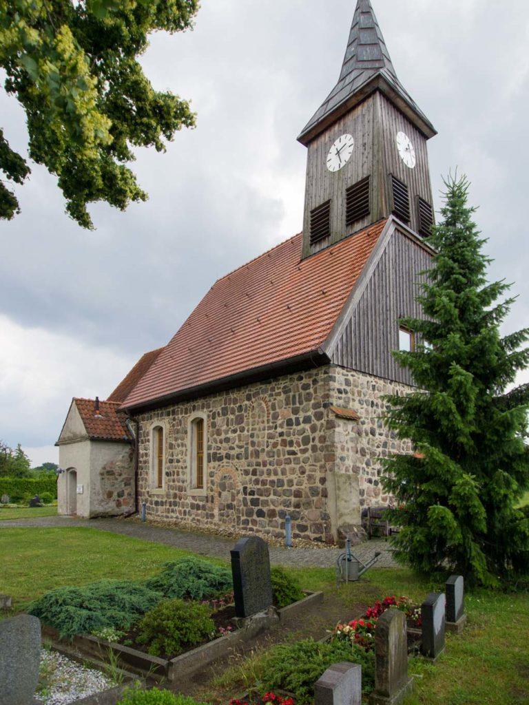 Dorfkirche Seeburg, Ansicht von Nordwest.