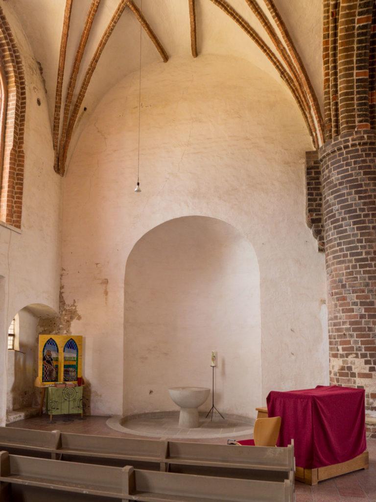 Innenleigender Teil der romanischen Nebenapsis des ehemaligen nördlichen Querschiffs.