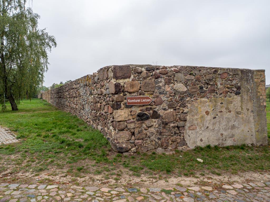 Komturei Lietzen Südliche Feldsteinmauer, Verlauf nach Westen