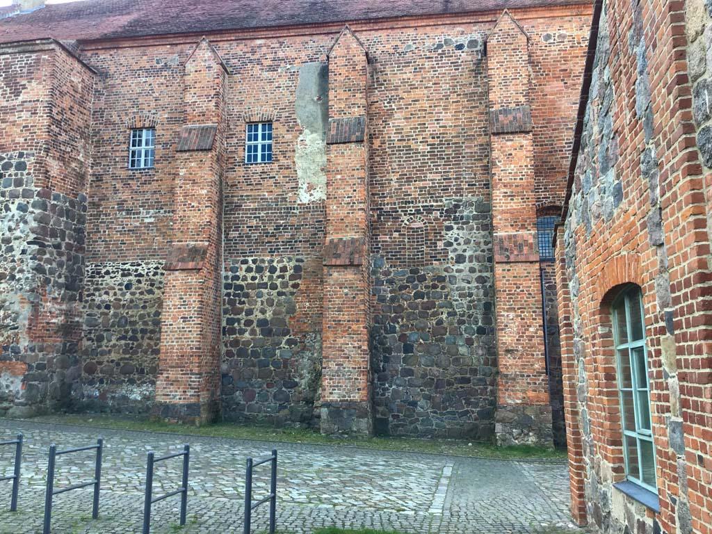 Nordwand der Burgkapelle