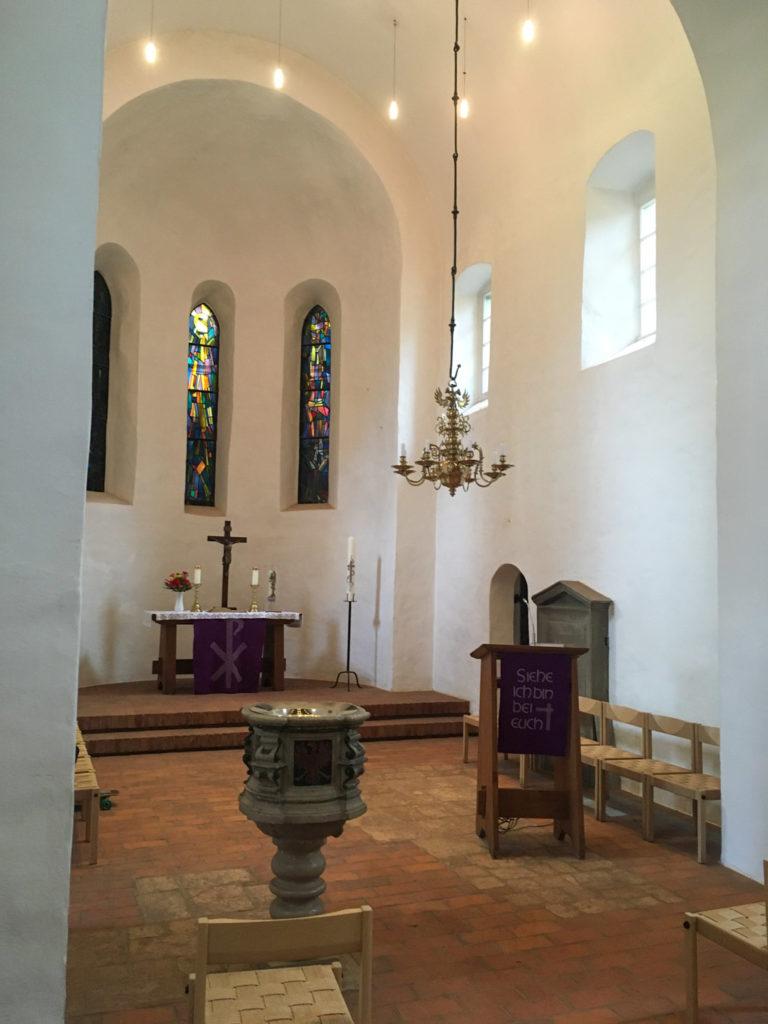 Chor und Apsis, Portal zur Sakristei